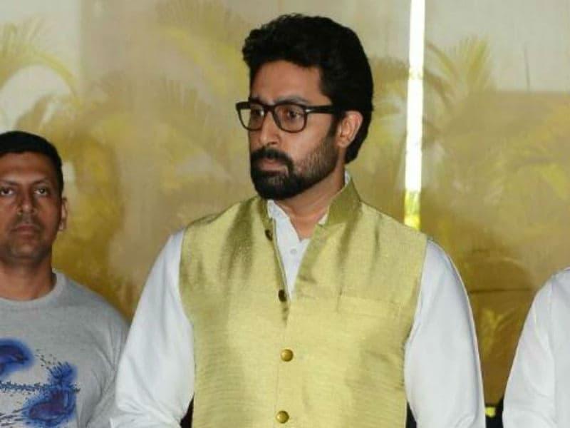 Abhishek Bachchan, Jackie Shroff Meet Suniel Shetty after His Father's Death