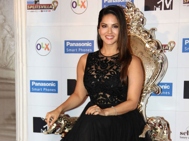 Sunny Leone Paints the Town Black