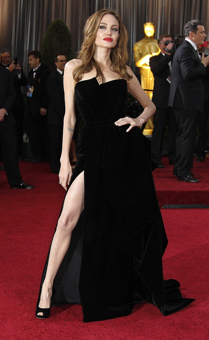Angelina jolie red carpet dresses - photo#9