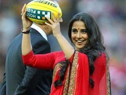 Photo : Red hot Vidya plays ball in Australia