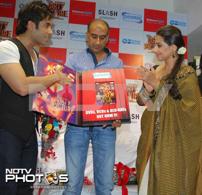 Vidya, Tusshar, Ekta launch The Dirty Picture DVD