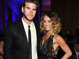 Photo : Miley Cyrus and Liam Hemsworth get engaged