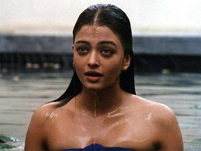 Aishwarya Rai Bachchan wet and hot