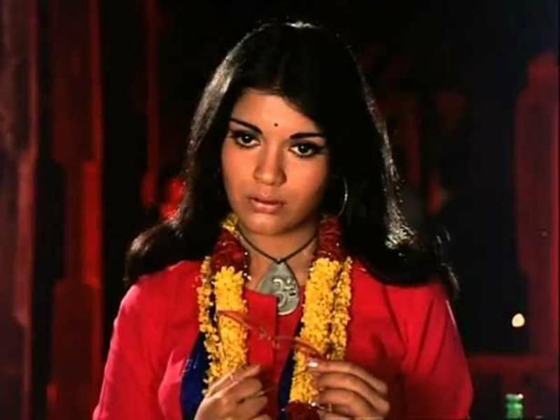 Birthday Cake Image Zeenat : Zeenat Aman Photos: Latest Zeenat Aman Photos News, Photos ...