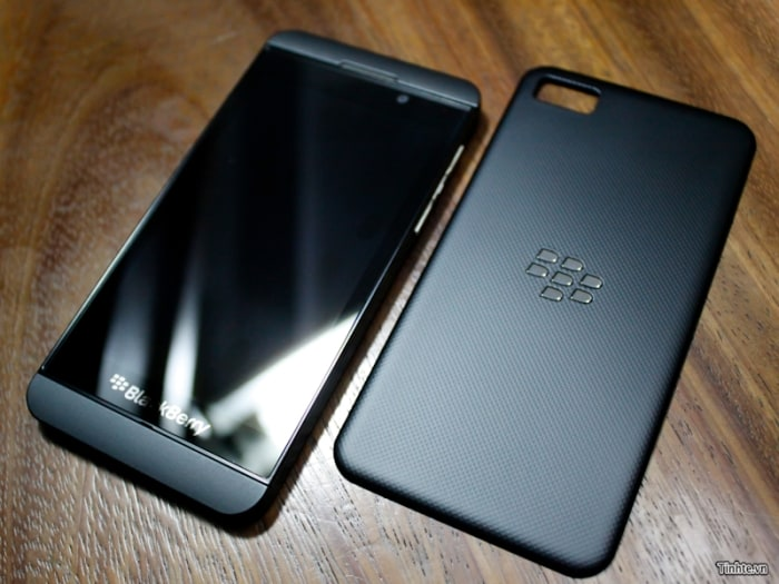 Is this the BlackBerry 10 L-Series smartphone?