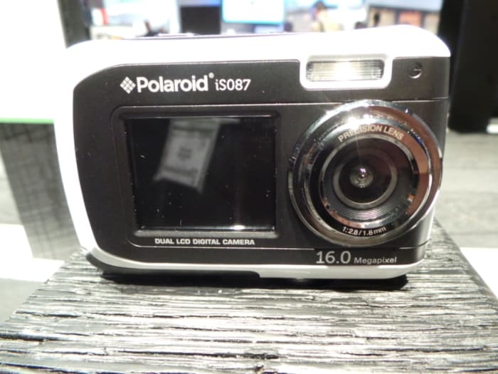 Polaroid IS087 is a super wide angle, dual screen water proof camera