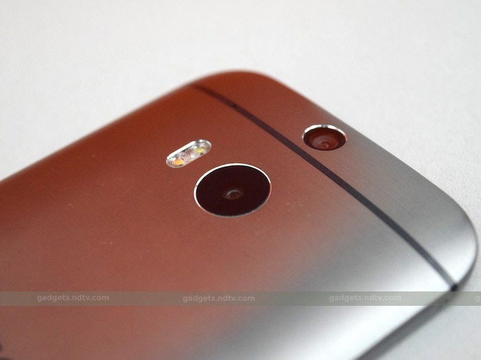 on the rear is a 13 megapixel camera and retains the depth sensing duo