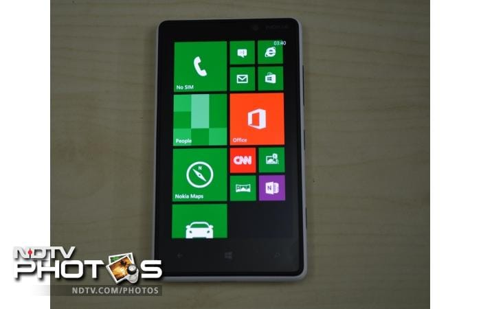 Nokia Lumia 820: In pictures