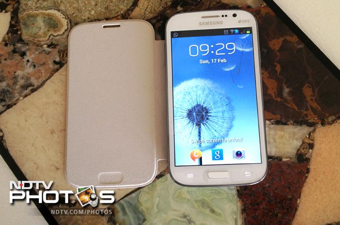 Samsung Galaxy Grand (Duos) in pics