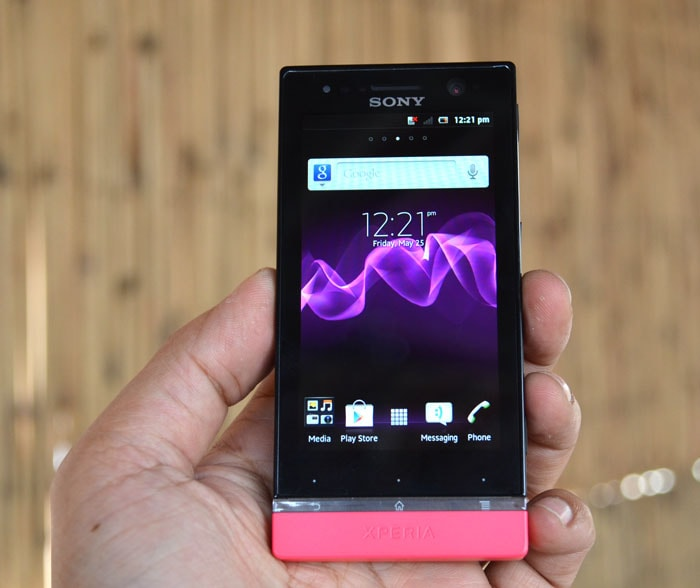 Sony Xperia U: First Look