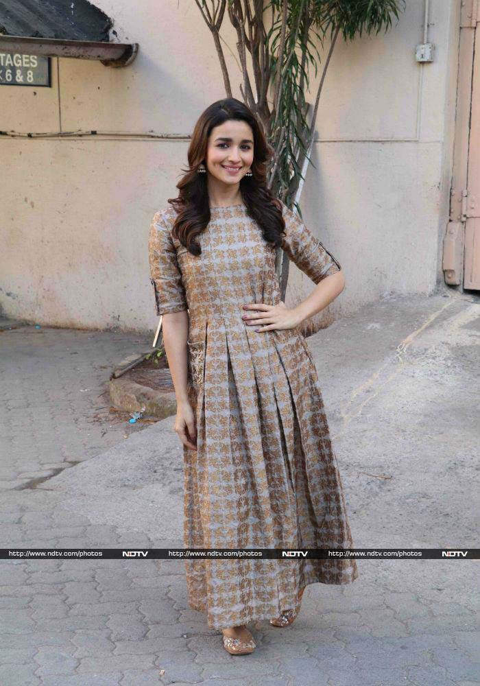 5 Looks You'd Want To Steal From Alia Bhatt Immediately