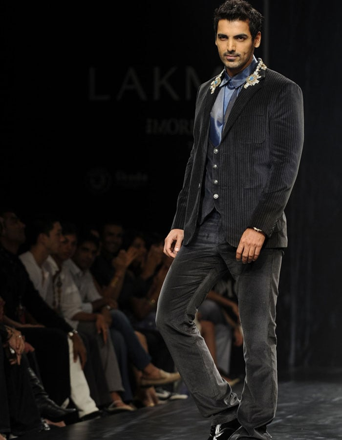 Bollywood Rules The Ramp Lifestyle Page 3