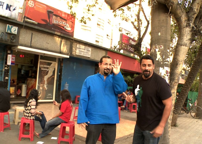 Rocky and Mayur head to  college canteens