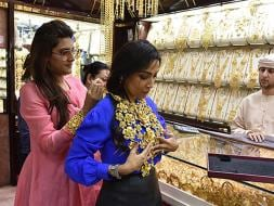 Photo : Ambika Anand Shows How Much There is to Shop in Dubai