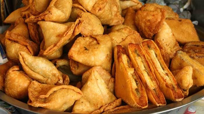 Moong daal samosa: Usually half the size of a regular samosa, the flavorsome moong daal samosa tastes best with pudina chutney