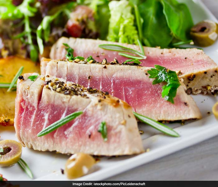 Tuna Steak: High in Vitamin B6, Tuna will help secrete melatonin and serotonin, hormones responsible for a good mood and relaxed state. This obviously will also help you sleep better.