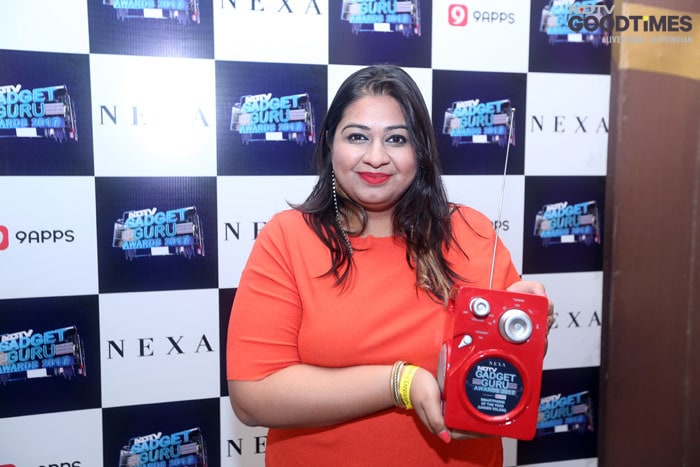 Shree Das,PR-Manager , Xiaomi with Smartphone of the Year Award