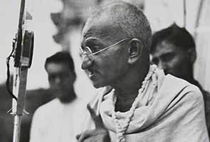 influential leaders julius caesar vs mahatma gandhi essay The 15 greatest leaders of all time –  julius caesar  are people really forgetting about mahatma gandhi he is the greatest leader to walk this earth of all .
