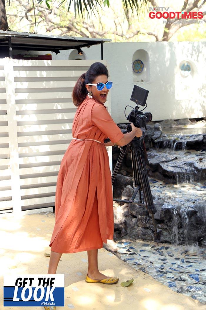 Saniya Shines In The Statement Fabric, Patan Patola