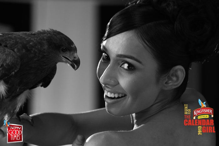 Kingfisher Calendar Hunt: Girls do the bird talk