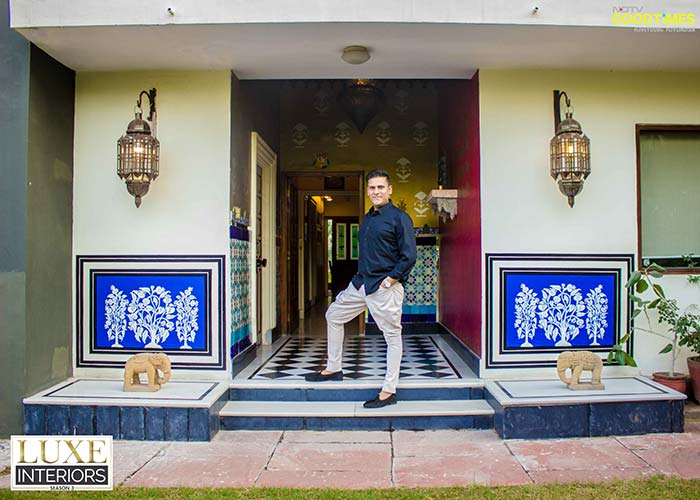 Artist Shan Bhatnagar welcomes you to his contemporary and colorful Jaipur home.