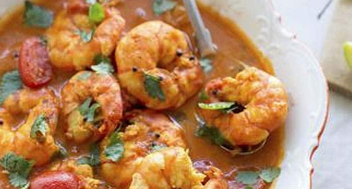 Goan Fish Curry: Yum, yum, yum! The Goanese can never go wrong with their sea-food and some prawn curry with all its spices will definitely lead you gasping for breath and wanting more at the same time!