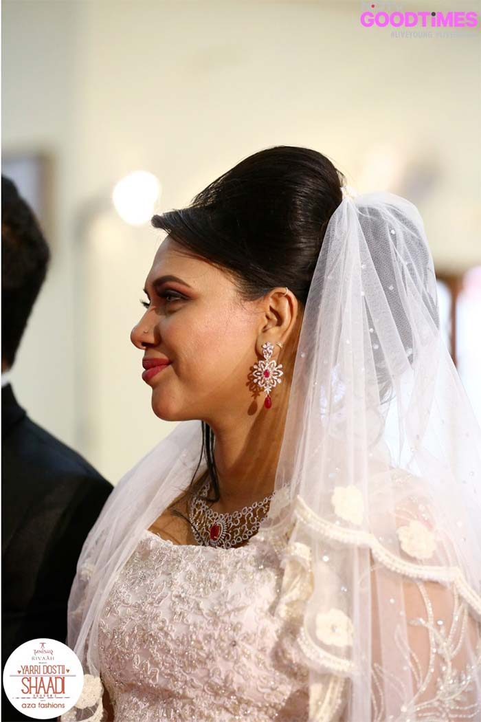 Our bride Manjula is a vision of beauty in intricate jewellery and serene wedding gown