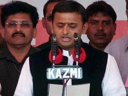 Photo : Akhilesh Yadav sworn in as UP Chief Minister