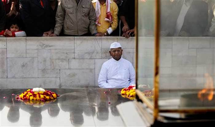 Ahead of fast, Anna Hazare at Rajghat