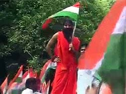Photo : Baba Ramdev arrested, Delhi Police stops march to Parliament
