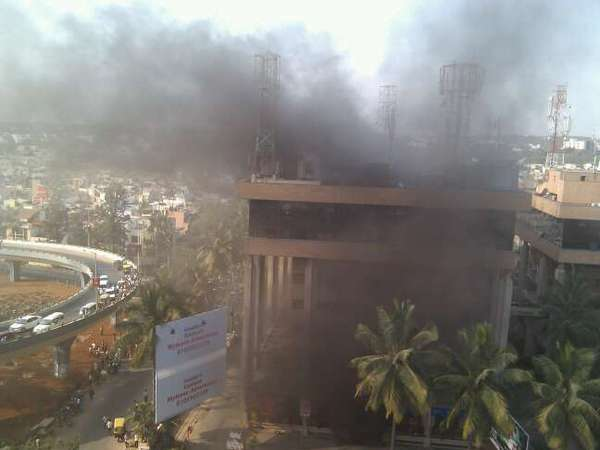 Fire at Bangalore\'s Carlton Towers
