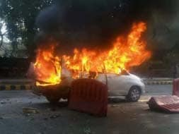 Photo : Car blast near Prime Minister's residence