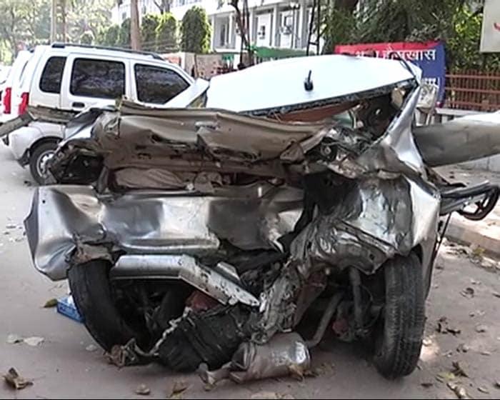 two killed in deadly car crash in delhi