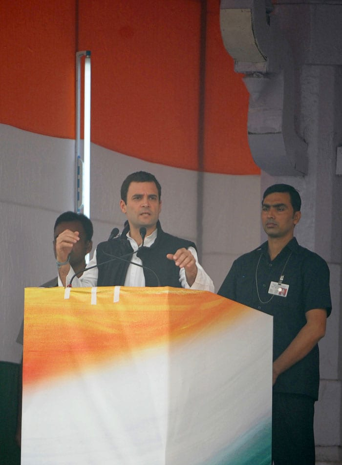 Rahul, Sonia lead the Congress show of might at mega-rally in Delhi