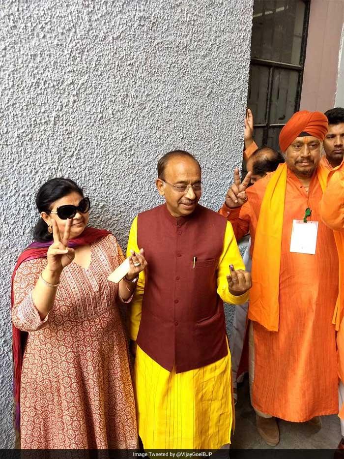 BJP's Vijay Goel after casting vote in Delhi's Raj Niwas.