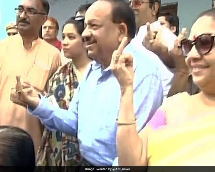 Union Minister Dr. Harshvardhan after casting his vote in a polling booth in Krishna Nagar's Ratan Devi School.