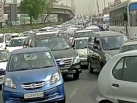 Pics: Daytime Nightmare For Drivers After Diesel Cab Drivers Shut DND