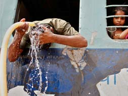 Photo : Heat wave grips India