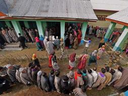 Photo : Long Queues, Brisk Polling in First Phase of J&K Assembly Elections