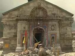 Photo : In and around Kedarnath temple today