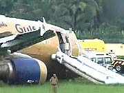 Photo : Plane skids off the runway in Kochi