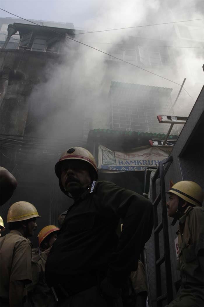 Major fire at Kolkata market