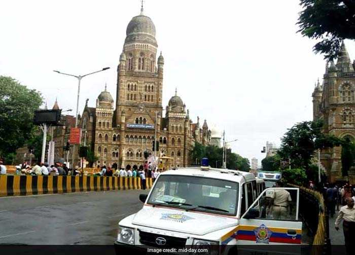 As the Maratha community sets out on its biggest rally yet, Mumbai Police will also be out in full strength to ensure that the protest march goes smoothly (Mid-Day)