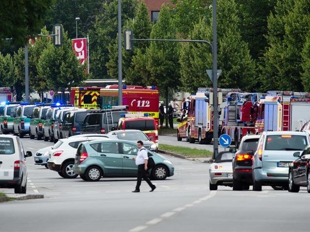 Pics: Shooting In Munich Shopping Mall