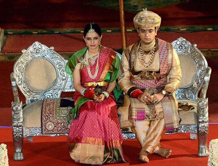 In Grand Royal Wedding Maharaja Of Mysuru Marries