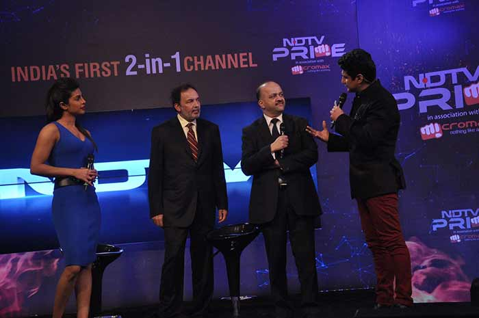 SRK, Priyanka at the launch of NDTV Prime - India\'s first 2-in-1 channel