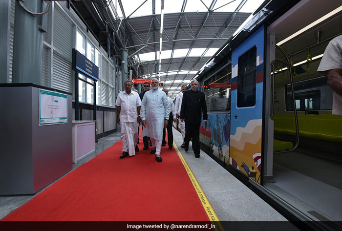 PM Modi took a ride from the Palarivattom to Pathadippalam station.