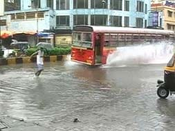 Photo : Mumbai rain: Heavy showers lash city