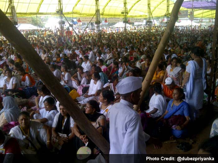 Baba Ramdev draws huge crowd to Ramlila Maidan