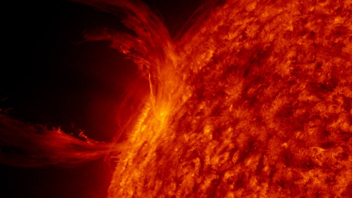 Fireworks of the Sun make spectacular display